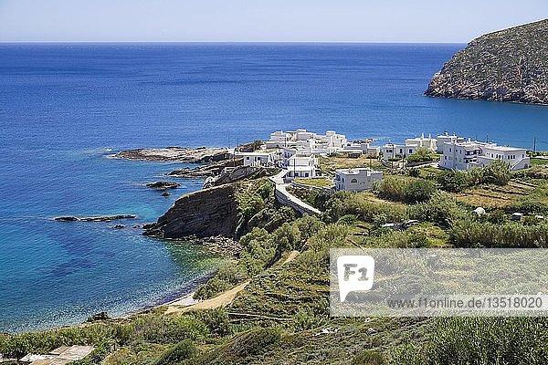Das kleine Fischerdorf Apollonas,  Nordseite von Insel Naxos,  Kykladen,  Ägäis,  Griechenland,  Europa