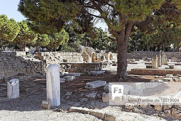 Archäologische Ausgrabungsstätte  Paulussäule  St. Pauls frühchristliche Basilika der Panagia Chrysopolitissa  Kirche der Agia Kyriaki  Kato Pafos  Südzypern  Zypern  Europa