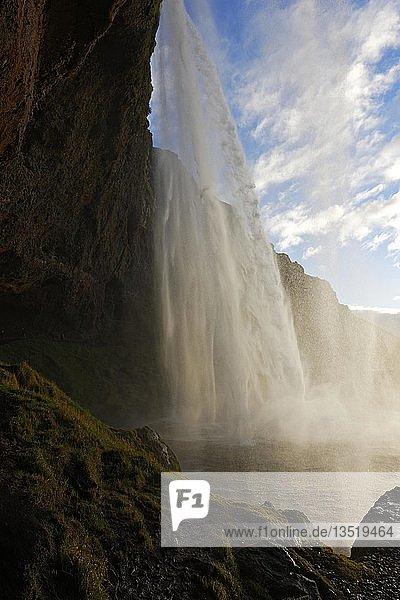 Seljalandsfoss waterfall  South Iceland  Iceland  Europe