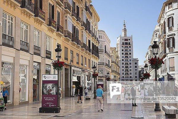Einkaufsstraße  Fußgängerzone  Málaga  Costa del Sol  Andalusien  Spanien  Europa