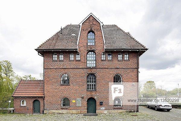 Fürstliche Mühle an der Neuen Vechte  historische Kornmühle  Schüttorf  Niedersachsen  Deutschland  Europa