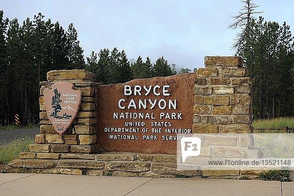 Eingangsschild Bryce Canyon Nationalpark  Utah  USA  Amerika  Nordamerika