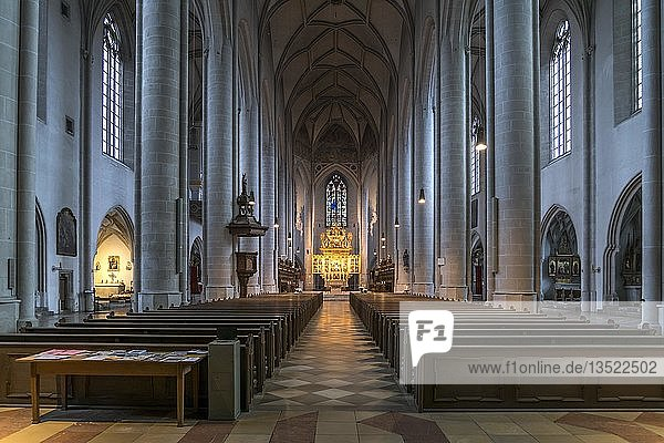 Innenraum  Kirchenschiff des Liebfrauenmünster  Ingolstadt  Oberbayern  Bayern  Deutschland  Europa