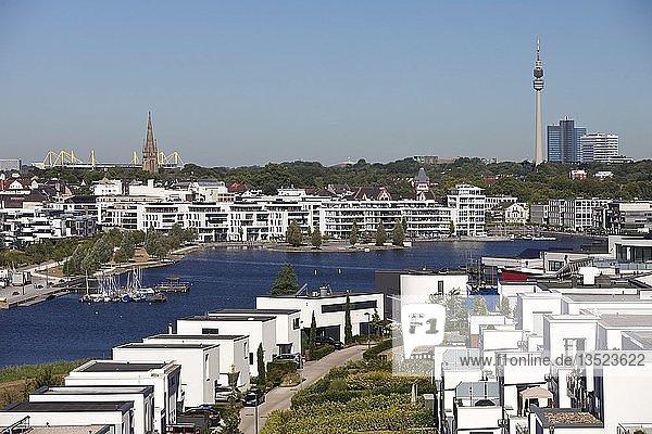 Phoenix See  dahinter Signal Iduna Park  Stadion des BVB und Florianturm  Dortmund  Ruhrgebiet  Nordrhein-Westfalen  Deutschland  Europa