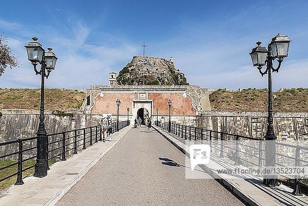 Eingang  Brücke  alte Festung  Kerkyra  Insel Korfu  Ionische Inseln  Griechenland  Europa
