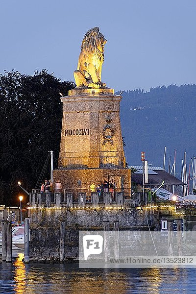 The Bavarian lion in the harbour at dusk  Lindau at Lake Constance  Swabia  Bavaria  Germany  Europe