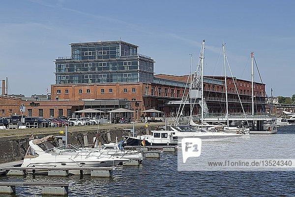 Veranstaltungsgebäude  Media Docks  Untertrave  Lübeck  Schleswig-Holstein  Deutschland  Europa