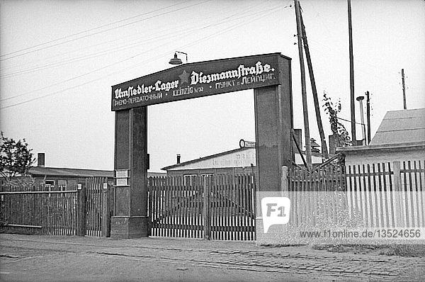 Eingang des Flüchtlingslagers Diezmannstraße  1947  Leipzig  Sachsen  DDR  Deutschland  Europa