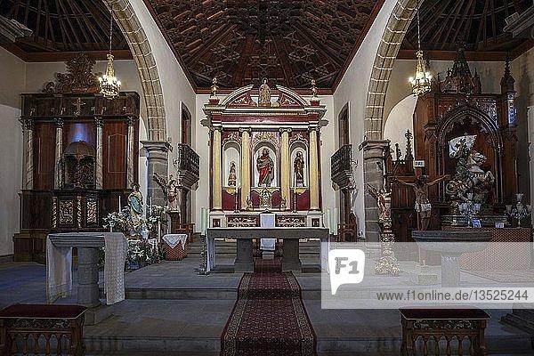 Innenansicht  Altarraum  Kirche Iglesia de San Bartolomé de Tirajana  Gran Canaria  Kanarische Inseln  Spanien  Europa