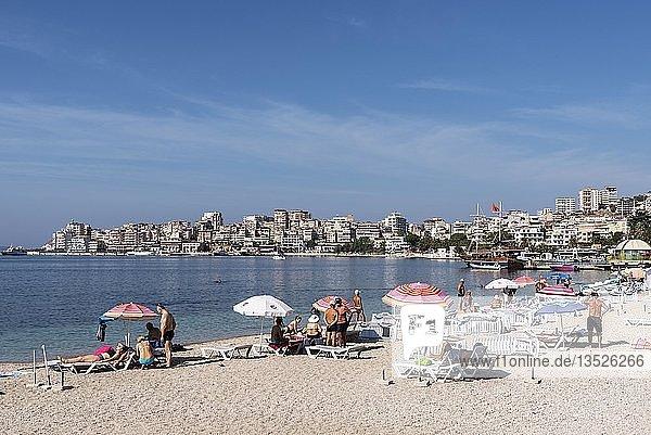 Strand  Stadtansicht  Ionisches Meer  Saranda  Albanien  Europa