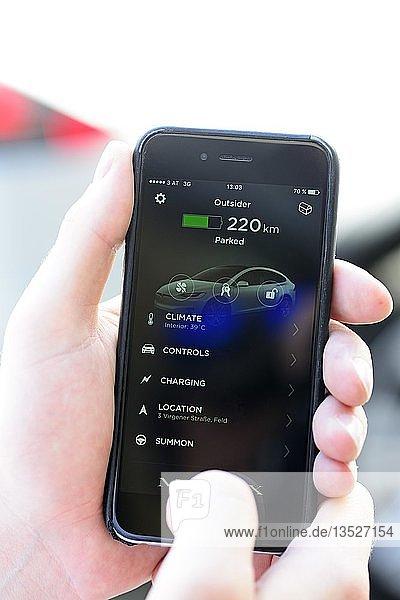 Steuerung des Autos mit Smartphone App  TESLA Model X 75  Österreich  Europa