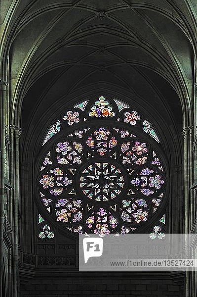 Rosettenfenster  Fensterrose  Die Erschaffung der Welt  St.-Veits-Dom  Veitsdom  Prager Burg  Hradschin  Burgviertel  Prag  Böhmen  Tschechien  Tschechische Republik  Europa