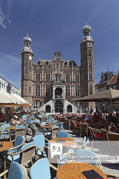 Marktplatz und historisches Rathaus  Venlo  Provinz Limburg  Niederlande  Europa