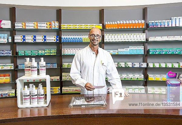 Apotheke  Apotheker  Portrait  Deutschland  Europa