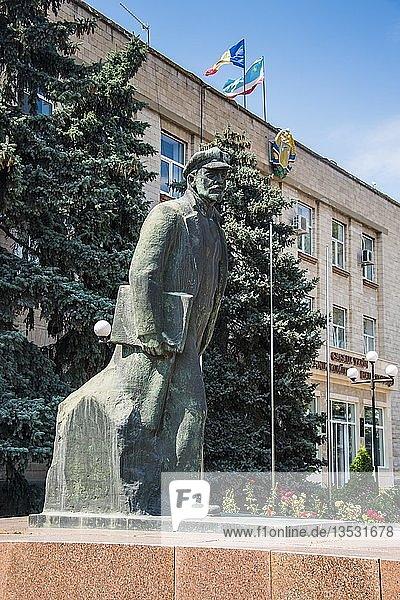 Lenin-Denkmal im Zentrum  Comrat  Gagauzia  Moldawien  Europa