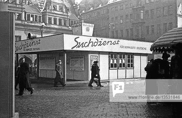 Pavillon des Suchdienstes der Deutschen Post für Vermisste  1947  Markt  Leipzig  Sachsen  DDR  Deutschland  Europa