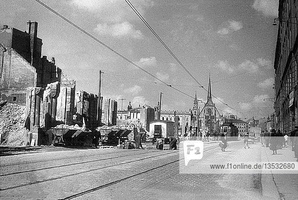 Bauarbeiten  Straßenausbesserung  1949  Grimmaischer Steinweg  Leipzig  Sachsen  DDR  Deutschland  Europa