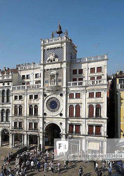 Uhrturm  Markusplatz  Piazza San Marco  Venedig  Venetien  Italien  Europa