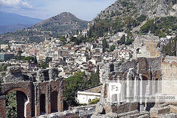 Das griechisch-römische Theater in Taormina  Sizilien  Italien  Europa