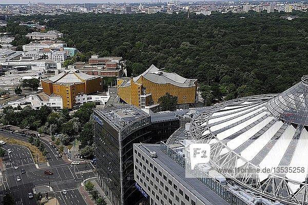Blick auf das Berliner Kulturforum mit Philharmonie  Kammermusiksaal und weiteren Museen  Deutschland  Europa