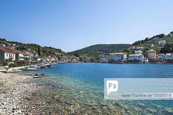 Fischerdorf Stomorska auf der kroatischen Insel Solta  Kroatien  Europa