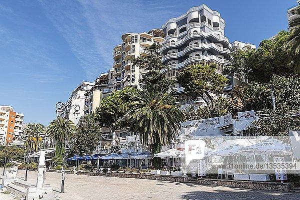 Restaurants  Uferpromenade  Saranda  Albanien  Europa