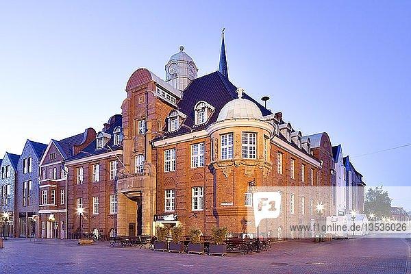 Rathaus von 1911  Buxtehude  Niedersachsen  Deutschland  Europa