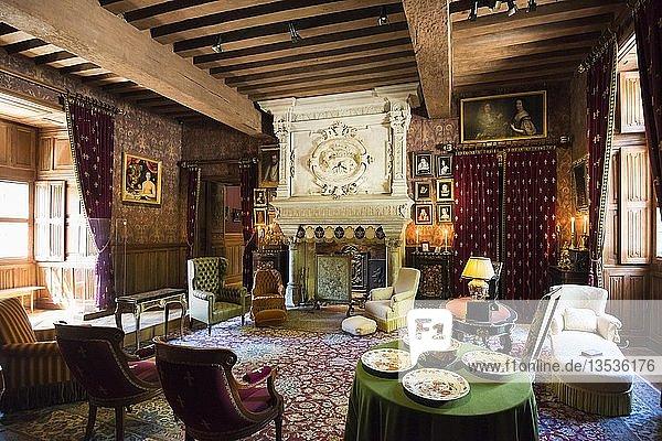 Historisches Wohnzimmer  Salon  Chateau Azay-le-Rideau  Renaissance-Schloss an der Loire  UNESCO-Weltkulturerbe  Département Indre-et-Loire  Frankreich  Europa
