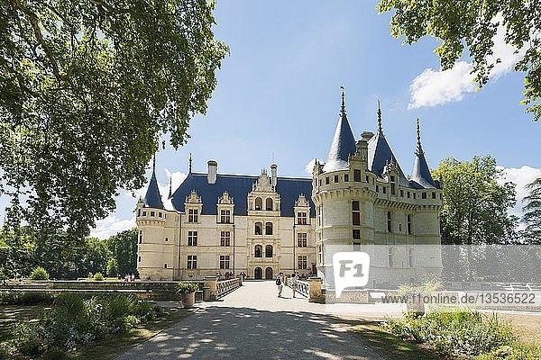 Chateau Azay-le-Rideau  Renaissance-Schloss an der Loire  UNESCO-Weltkulturerbe  Département Indre-et-Loire  Frankreich  Europa
