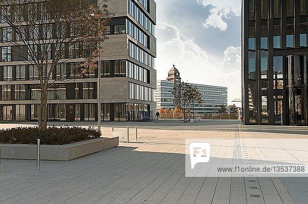 Platz vor dem Hyatt Hotel  Düsseldorf  Nordrhein-Westfalen  Deutschland  Europa