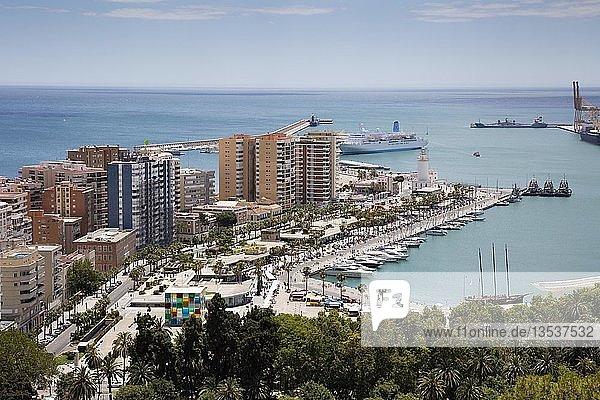 Hafen  Málaga  Costa del Sol  Andalusien  Spanien  Europa