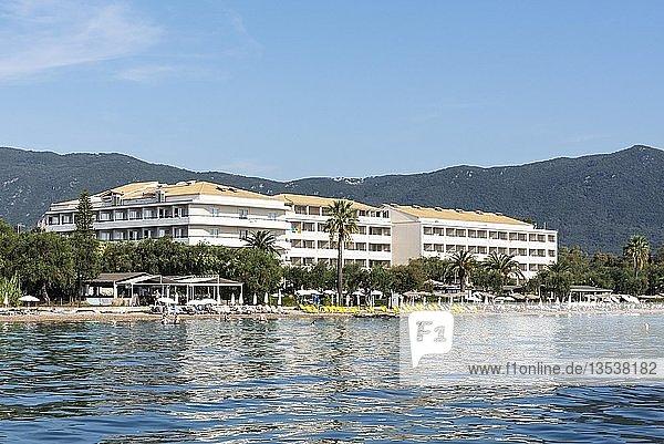 Strand  Hotel  Dassia  Insel Korfu  Ionische Inseln  Mittelmeer  Griechenland  Europa