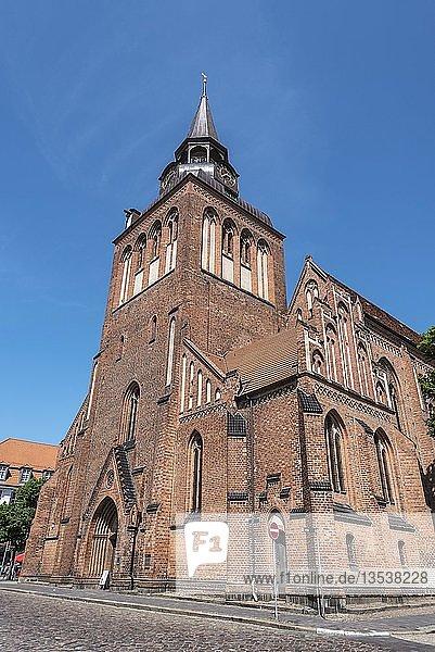 St. Marien Kirche  norddeutsche Backsteingotik  Güstrow  Mecklenburg-Vorpommern  Deutschland  Europa