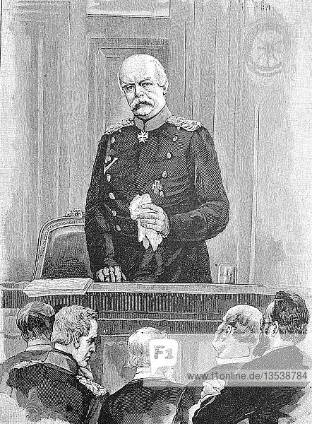 Otto Eduard Leopold von Bismarck-Schönhausen  1. April 1815  30. Juli 1898  war ein deutscher Politiker und Staatsmann  verkündete bei der Versammlung im Reichstag am 9. März das letzte Dekret von Kaiser Wilhelm I.  Holzschnitt aus dem Jahr 1888  Deutschland.
