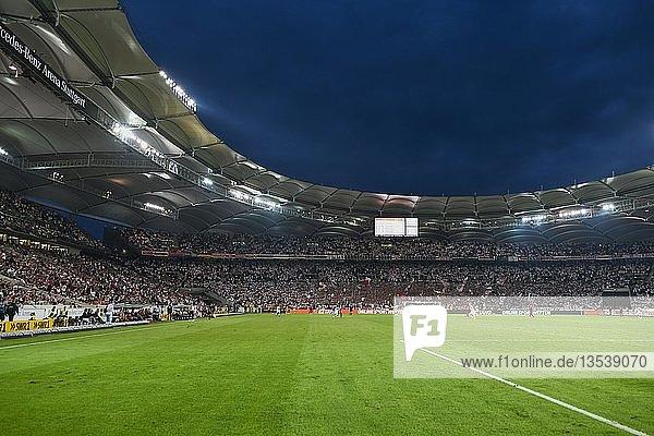Mercedes-Benz Arena während Fussballspiel  blaue Stunde  Stuttgart  Baden-Württemberg  Deutschland  Europa