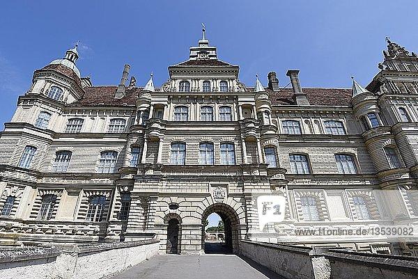 Schloss  Renaissancebauwerk  Güstrow  Mecklenburg-Vorpommern  Deutschland  Europa