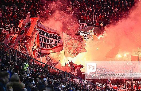 Ultras zünden Bengalos  Wirsol Rhein-Neckar Arena  Sinsheim  Baden-Württemberg  Deutschland  Europa