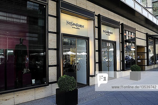 YSL Laden  Friedrichstraße  Berlin  Deutschland  Europa