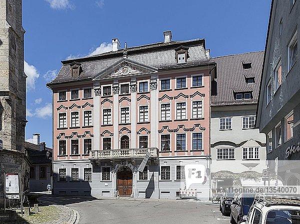 Hermannsbau  ehemaliges Stadtpalais von 1766  heute Memminger Stadtmuseum  Memmingen  Schwaben  Bayern  Deutschland  Europa