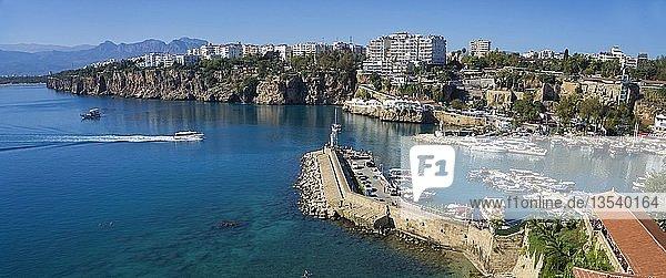 Hafen in der Altstadt Kaleici  Antalya  türkische Riviera  Türkei  Asien