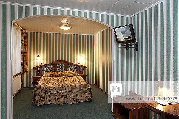 Bett im Hotelzimmer