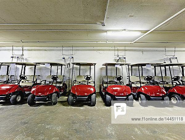 Golfwagen-Parkhaus