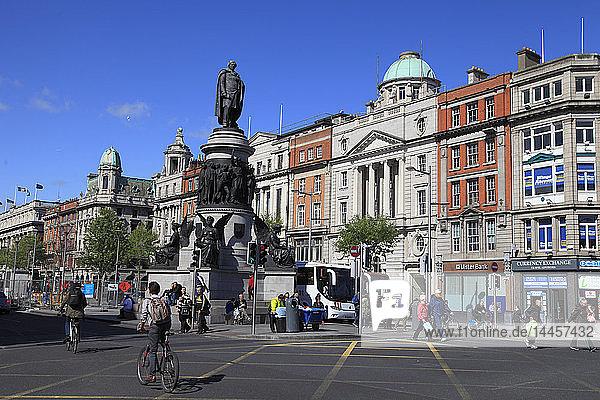 Ireland  Dublin  O'Connell Street  Daniel O'Connel Statue