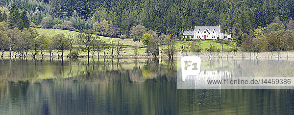 White house overlooking Loch Chon  Loch Lomond and The Trossachs National Park  Stirlingshire  Scotland  United Kingdom