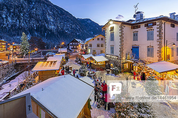 View of Christmas Market at dusk in Campitello di Fassa  Val di Fassa  Trentino  Italy