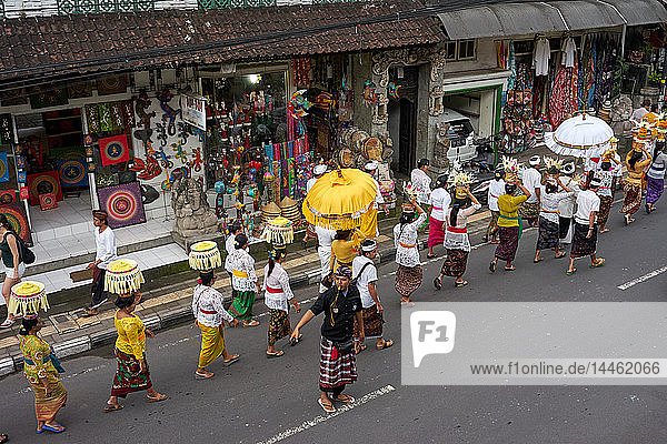Religious procession in Ubud  Bali  Indonesia  Southeast Asia