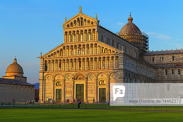 The Cathedral of Pisa  west facade  UNESCO World Heritage Site  Pisa  Tuscany  Italy