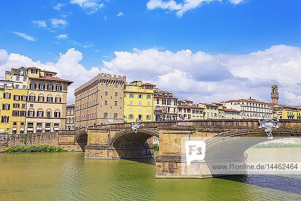 Santa Trinita Bridge spanning the River Arno  Florence  Tuscany  Italy