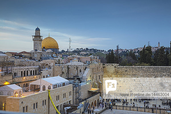Western Wall and the Dome of the Rock  Old City  UNESCO World Heritage Site  Jerusalem  Israel  Middle East