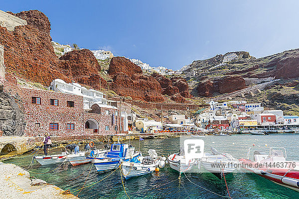 View of little harbour and clifftop Oia village  Santorini  Cyclades  Aegean Islands  Greek Islands  Greece  Europe